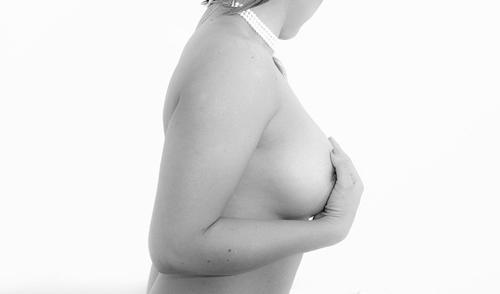 乳首の黒ずみの悩み